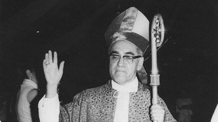 Monseñor-Romero-4