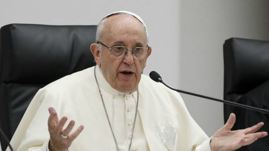 El Papa Francisco Se Tiene Que Operar De Las Cataratas