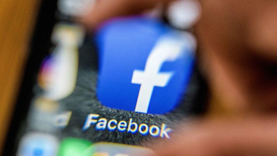 Resultado de imagen para Facebook Suspende 200 Aplicaciones