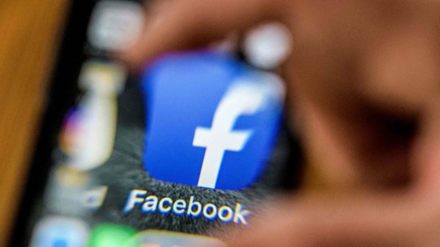 Mark Zuckerberg testifica y pide perdón ante el Congreso