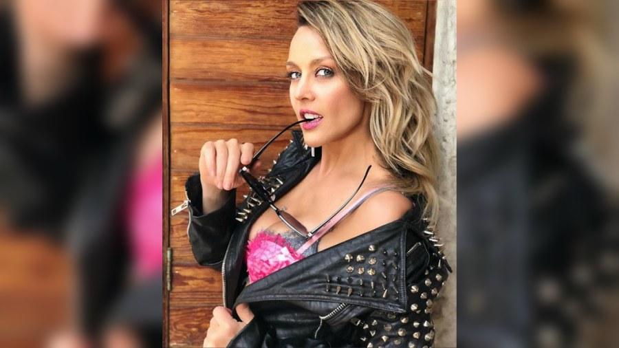 Fey celebra su soltería con sensuales fotos en Instagram