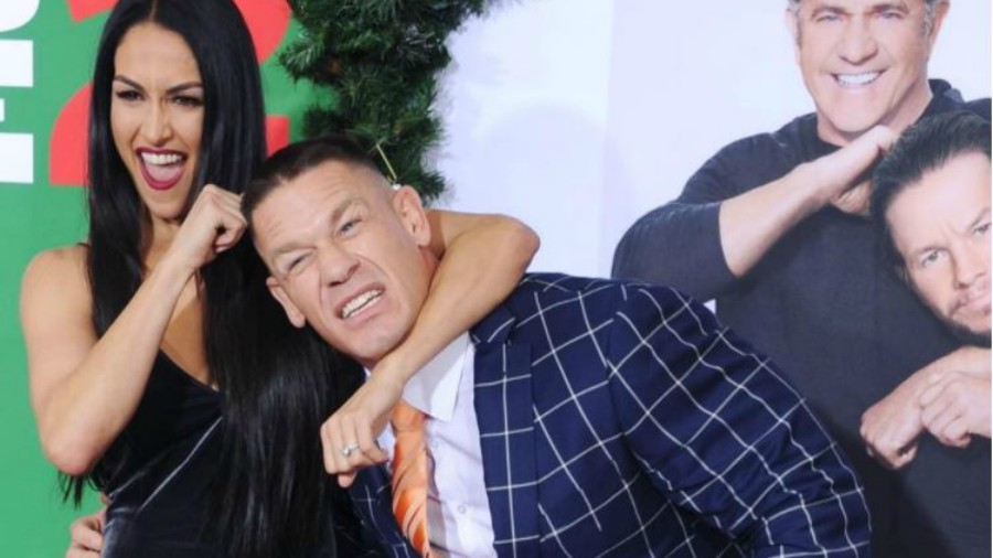 John Cena y Nikki Bella se desnudan en YouTube para