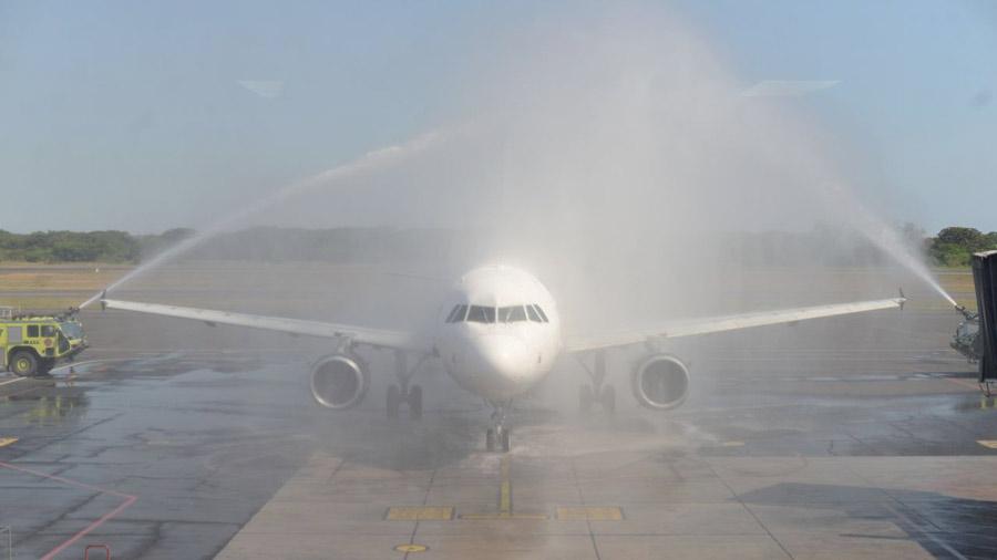 Volaris inauguró vuelo directo entre CA Y Washington