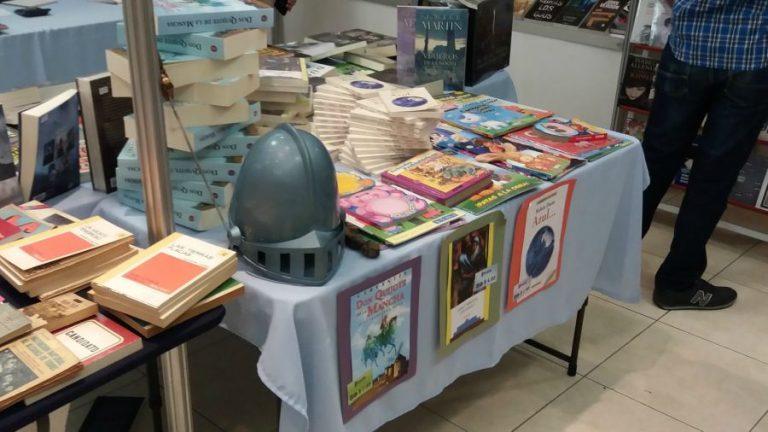 Participación de la editorial Clásicos Roxil en la IV Feria del Libro de Arte y Literatura. Foto/Cortesía de Clásicos Roxil.