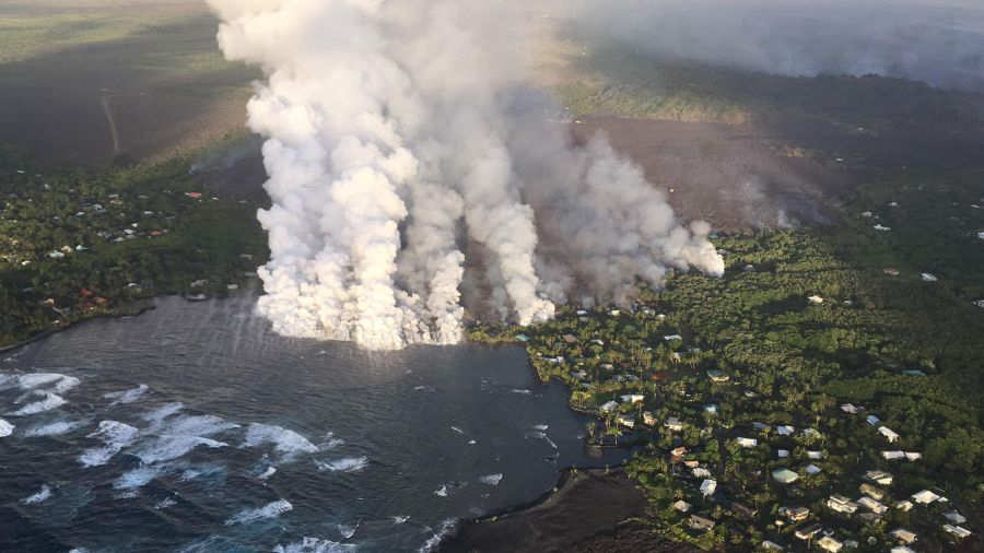 Lava del volcán Kilauea destruye cientos de casas durante la noche