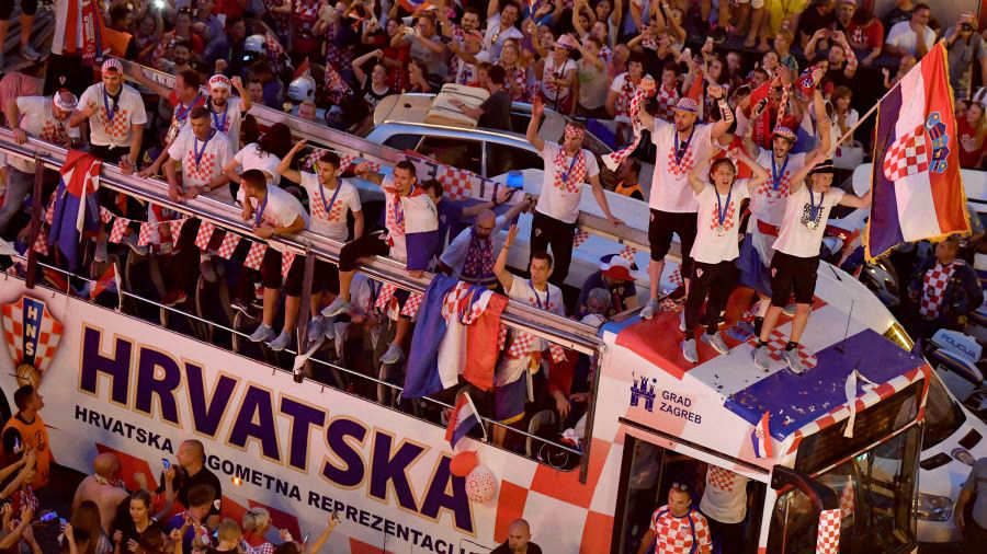 Croacia festeja hasta la madrugada el subcampeonato del mundo — FOTOS