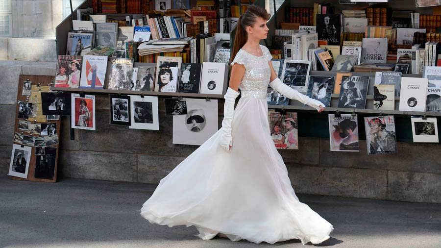 París literario fue el escenario para el desfile de Chanel ...