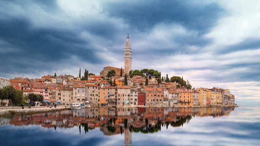 Rovinj Es Un Archipielago De  Islas En El Mar Adriatico Sus Construcciones Antiguas Tienen Un Gran Valor Cultural E Historico Foto Pixabay Momonator