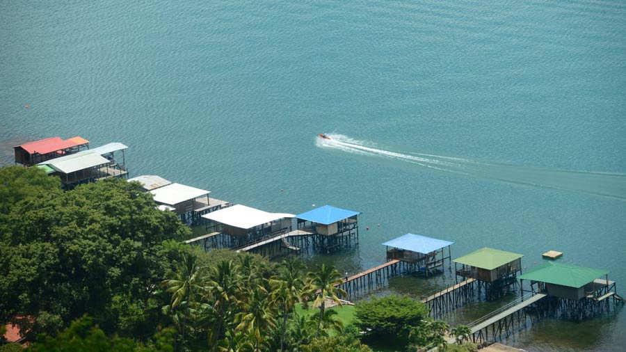 Lago-Coatepeque_01