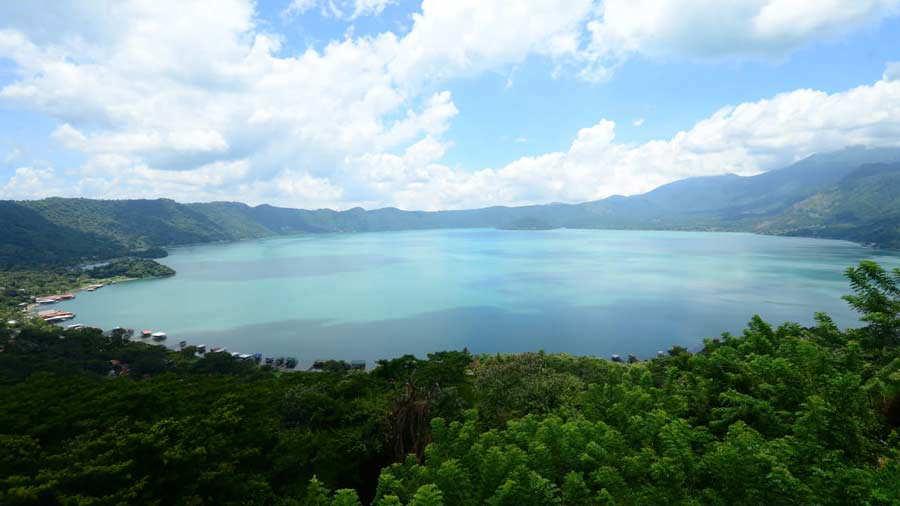 Lago-de-Coatepeque_02