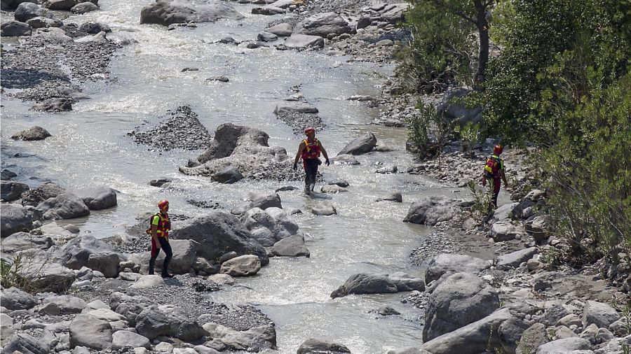 Unas 11 personas fallecen tras desbordamiento de río en Italia