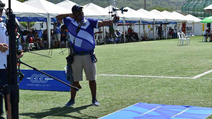 Roberto-Hernández-en-tiro-con-arco-05