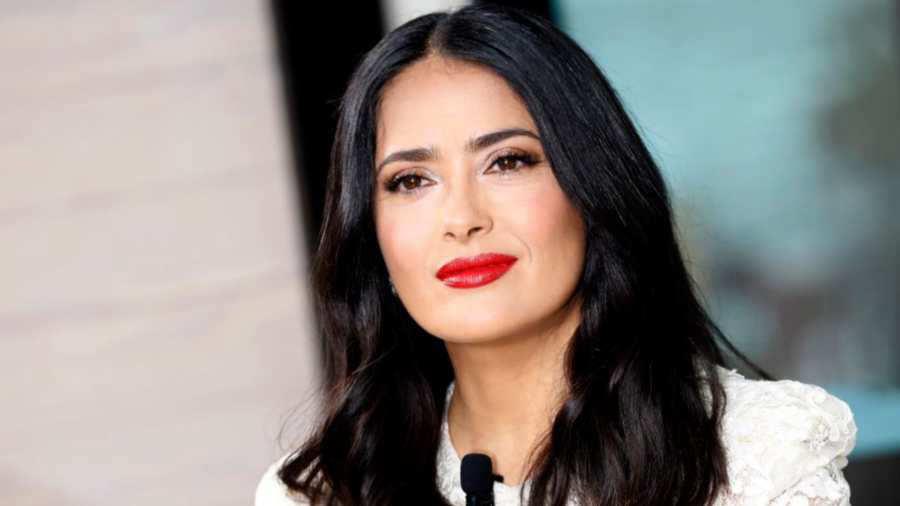 Salma Hayek enciende redes con imagen al natural — FOTOS