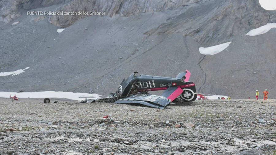 Accidente de avión militar de colección deja 20 muertos en