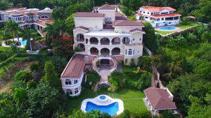 Estas son las propiedades que fueron confiscadas al expresidente Antonio Saca