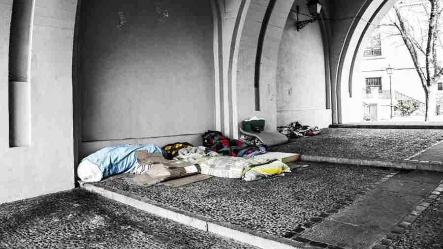 Un modelo de Miami mata a batazos a un mendigo — Imágenes impactantes