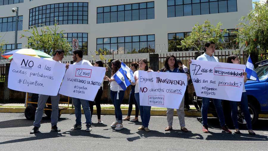 Protesta-por-falta-de-magistrados-03