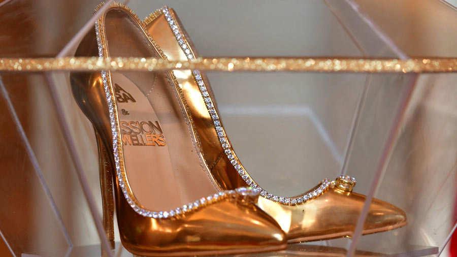 Estos son los zapatos para dama más caros del mundo  9b2c61094372