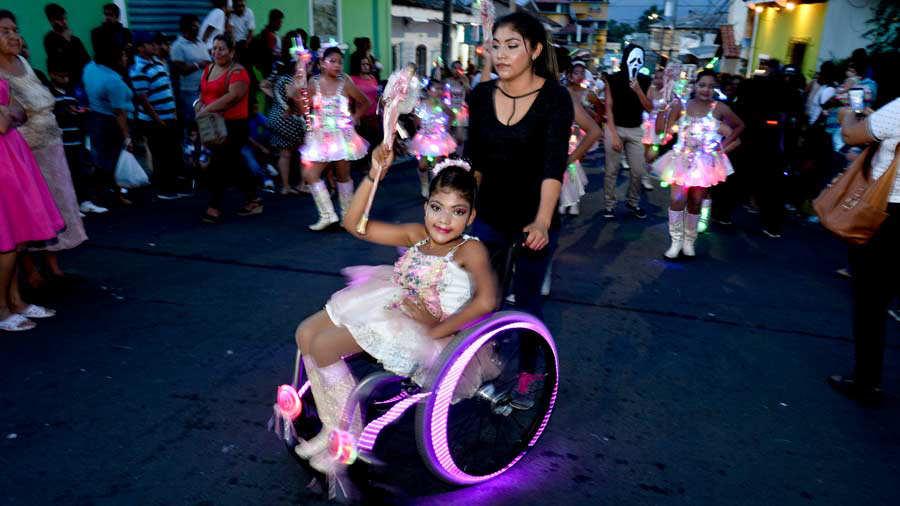 Cachiporrista silla de ruedas