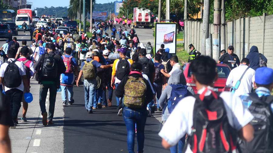 Resultado de imagen para caravana de salvadoreños
