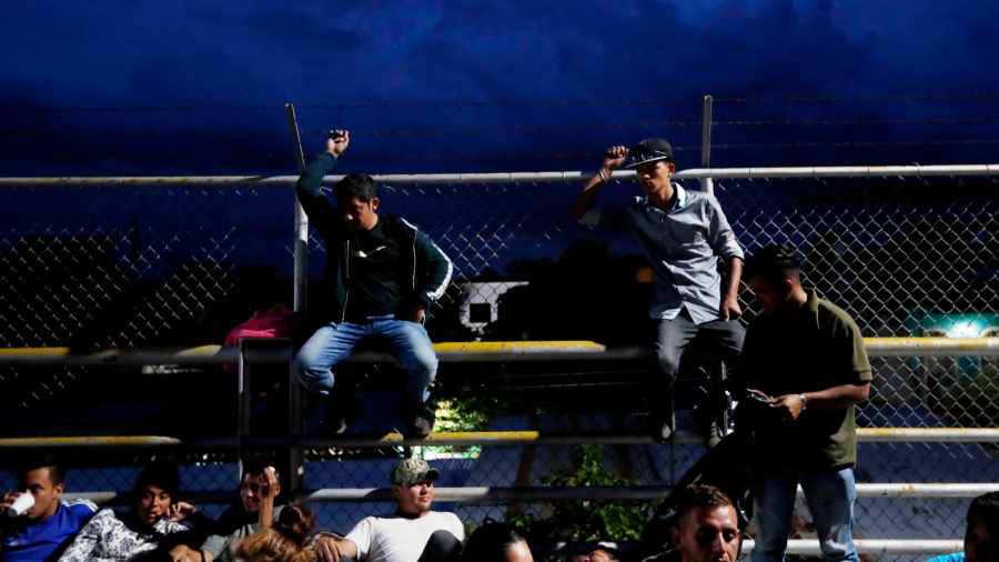 Trump insiste en que caravana no entrará a EE.UU