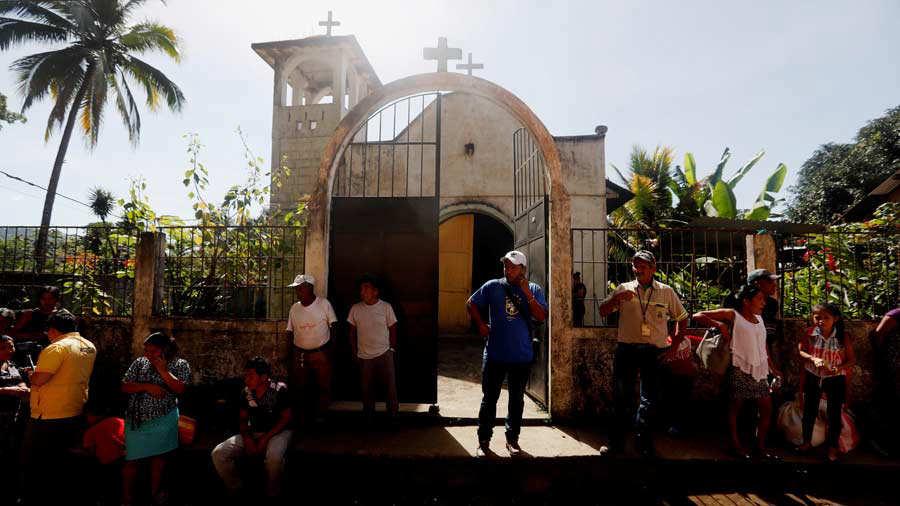 Ceniza de erupciÛn volc·n de Fuego de Guatemala cae a m·s de 100 kilÛmetros