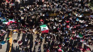 """""""No a la invasión, primero México"""" grupo de protesta contra caravana de migrantes"""