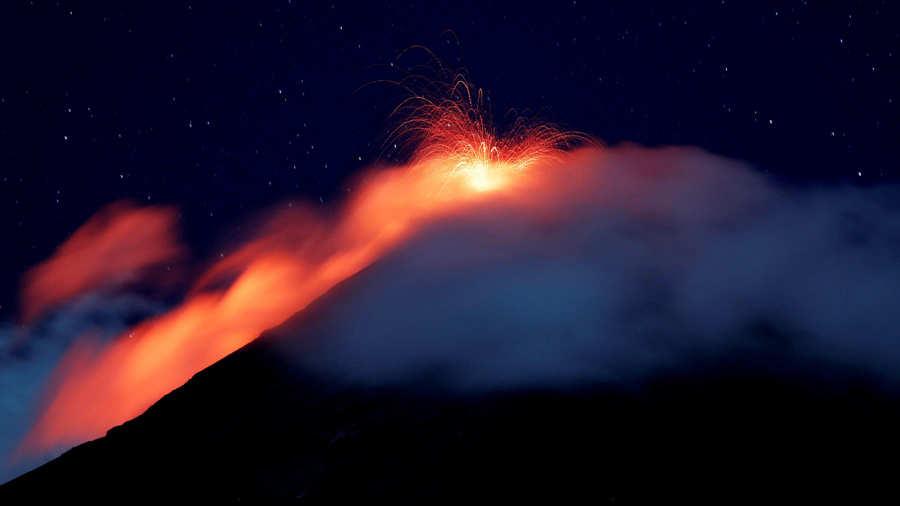 Volcán de Fuego de Guatemala en su quinta erupción de 2018