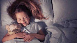 porque los bebes deben dormir solos