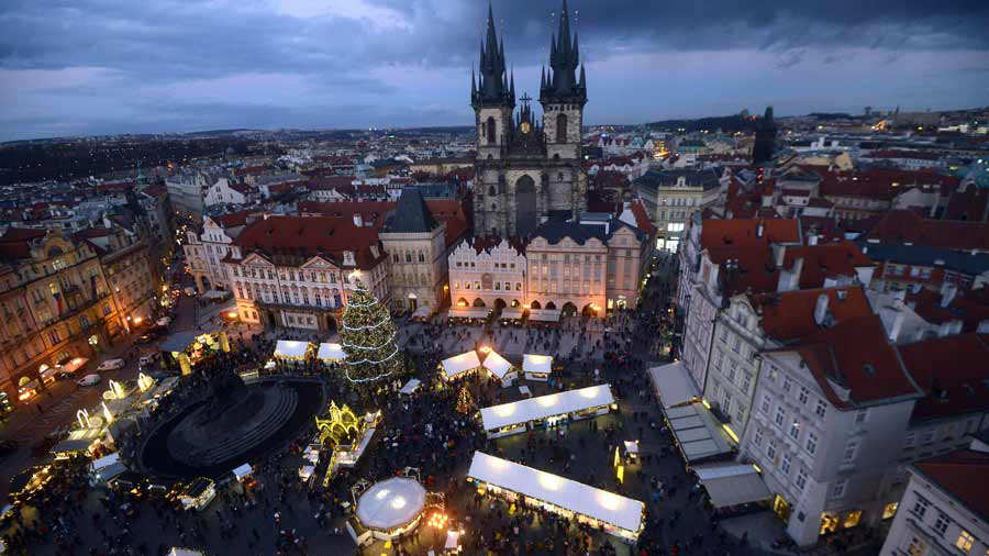 CZECH-CHRISTMAS-MARKET