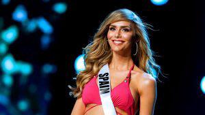 Ángela Ponce, transgénero y representante de España, desfila en traje de baño en Miss Universo