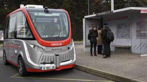 El primer autobús 'sin conductor' circula en universidad de Francia