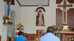 Feligreses de Tacuba aseguran que imagen de María Magdalena gira su vista