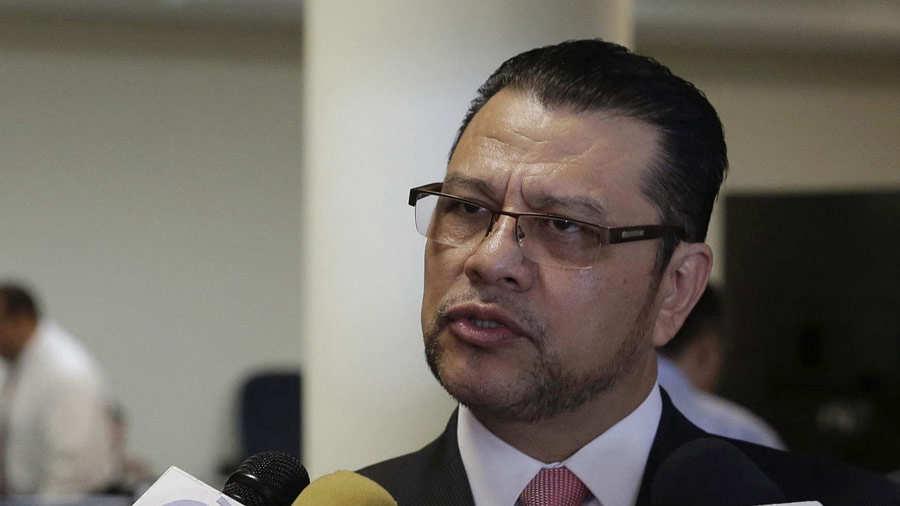Expresidente Funes adoptÛ tregua de pandillas como polÌtica, dice abogado