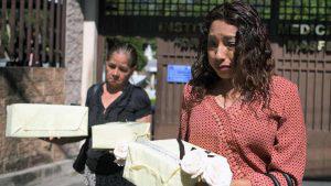 Familiares de víctimas de El Mozote reciben restos 37 años después
