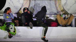 Caravana de migrantes se prepara para viajar rumbo a Estados Unidos
