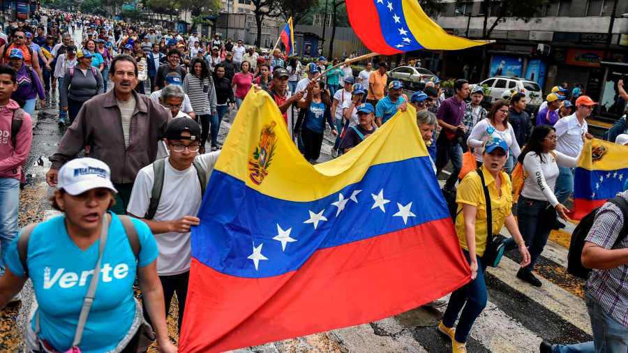 Resultado de imagen para VAN 18 MUERTOS EN VENEZUELA TRAS PROTESTAS