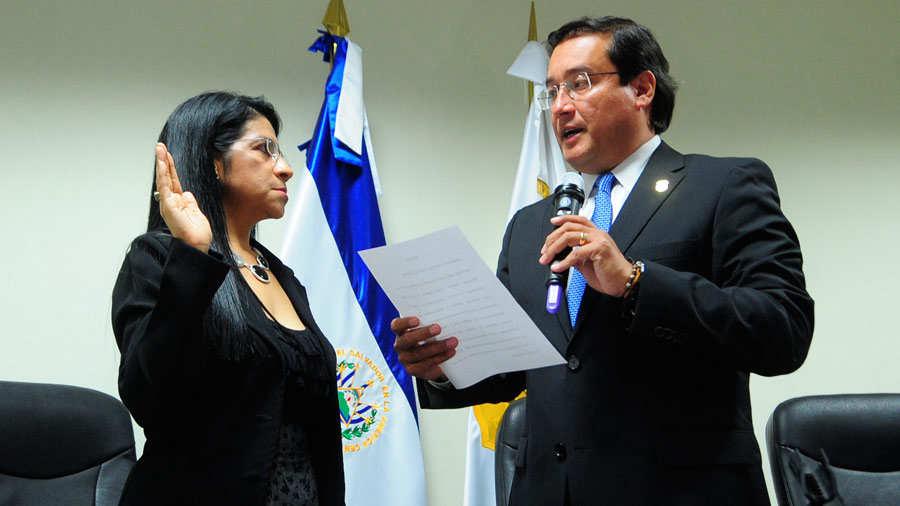 Nueva Fiscal Adjunta Paula Patricia Velasquez Centeno.