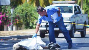Anciana que viajaba con su hijo en una motocicleta muere en accidente de tránsito en San Vicente