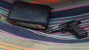 Militares decomisan armas y granadas en refugio de pandilleros