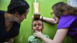 Voluntarios luchan para que la ayuda humanitaria entre a Venezuela