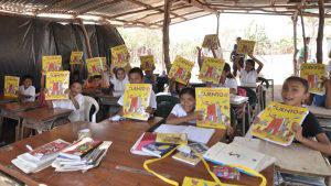 Los niños de Los Almendros pasarán de estudiar bajo láminas a tener escuela propia