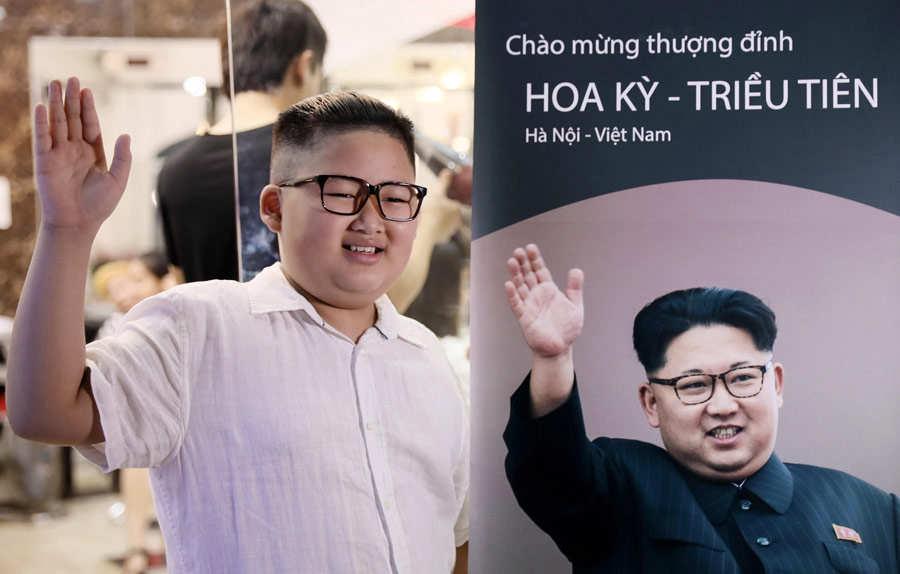 PeluquerÌa en Hanoi ofrece cortes de pelo al estilo de Donald Trump y Kim Jong-un