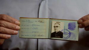 A 39 años de su martirio, esta fue la última cédula de identidad de Óscar Arnulfo Romero