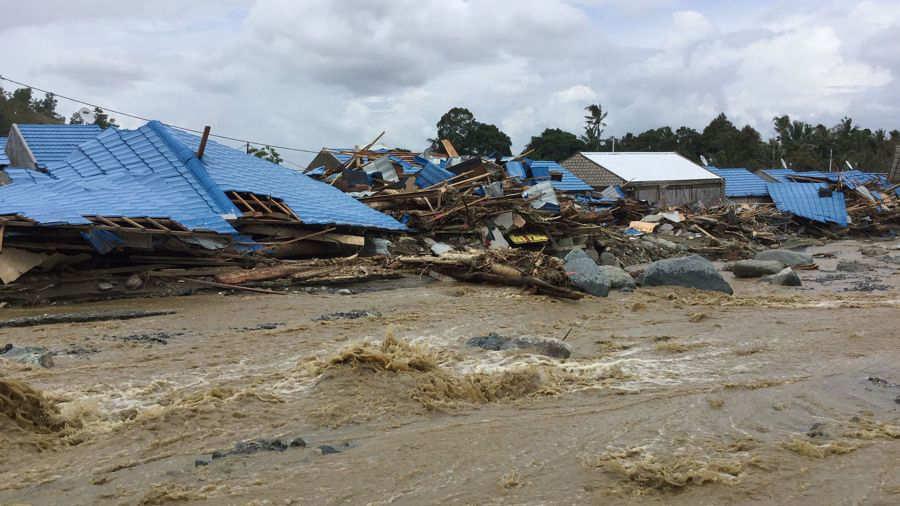 Al menos 79 muertos tras inundaciones por lluvias torrenciales — Indonesia