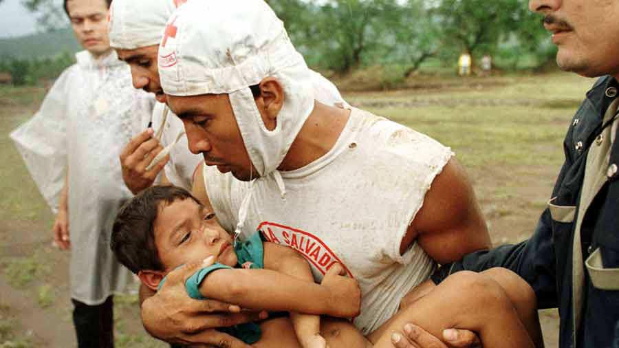 EL SALVADOR-STORM-CHILD