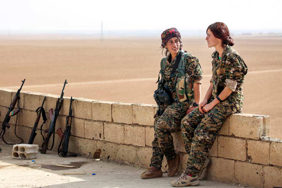 WOMEN-8MARCH-RIGHTS-SOLDIERS-SYRIA-PACKAGE