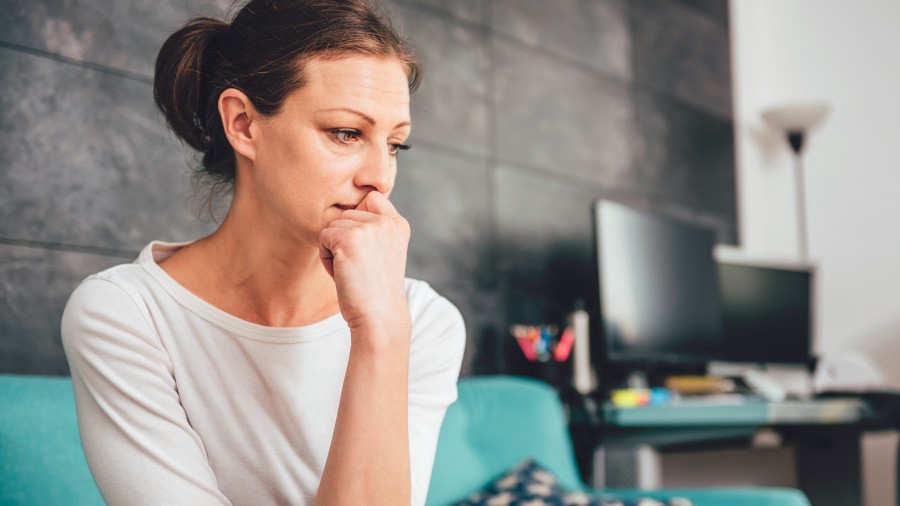9 Síntomas De Enfermedad De La Tiroides Que Millones De