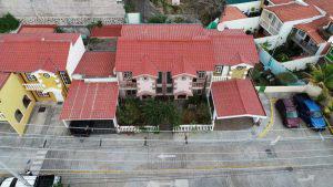 Fiscalía confisca rancho de playa, finca y apartamento, las nuevas propiedades ligadas al expresidente Funes