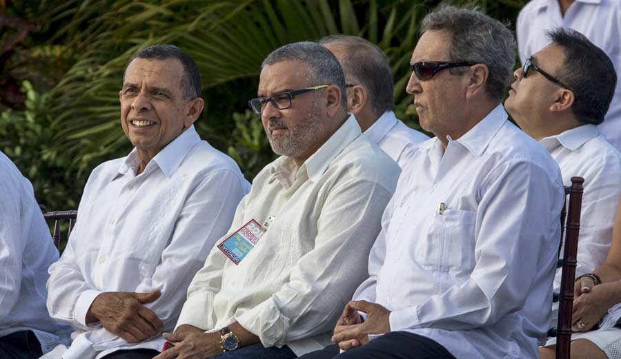 ORTEGA ASUME CUARTO MANDATO, TERCERO SEGUIDO, CON SU ESPOSA DE VICEPRESIDENTE